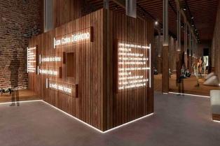 Cristina inauguró el Pabellón argentino en la Bienal de Venecia 2015 por videoconferencia