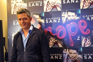 "Alejandro Sanz presentó su nuevo disco: ""Sirope"""
