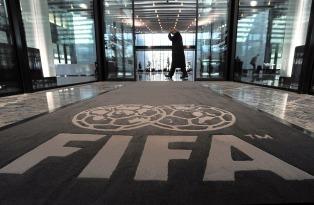 "Tabárez siente ""vergüenza"" de ser contemporáneo al ""Fifa Gate"""