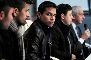 Saviola y Lucho González concentran para enfrentar el miércoles a Tigre