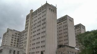 Abrazo al Hospital de Clínicas de la UBA contra la corrupción y las amenazas a periodistas