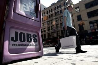 Cerca de 3 millones de estadounidenses pidieron seguro de desempleo la semana pasada