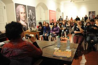 Un Cabildo Abierto de Mujeres debatió sobre violencia de género y femicidios