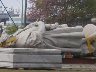 Entidades italianas rechazan ubicar el monumento de Colón frente al Aeroparque