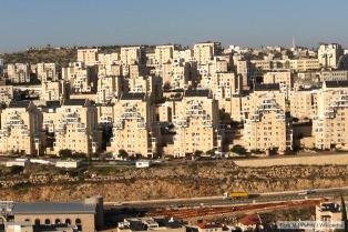 Israel prevé construir y ampliar asentamientos