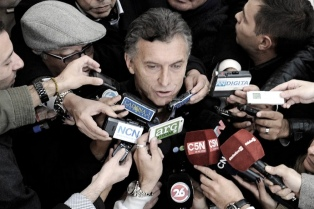 """Macri dijo que apoyará la estrategia de Cano en Tucumán y consideró """"agotado"""" el tema Niembro"""