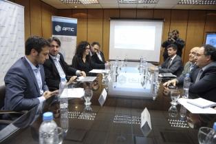 Álvarez y Berner se reunieron con empresarios de telefonía celular para mejorar el sistema en Lanús