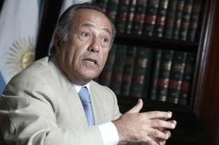 """Rodríguez Saá dijo estar """"sorprendido"""" por el método de designación de jueces para la Corte"""