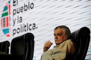 El legado teórico, político y retórico de Laclau, según Horacio González
