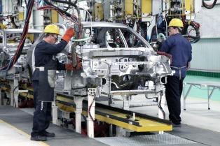 La producción de autos creció durante marzo un 35% respecto del último febrero
