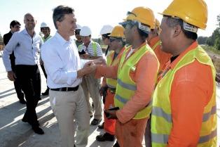 Macri presidió la reapertura de la ruta 8 en Exaltación de la Cruz tras la inundación