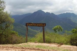 """El incendio en el Parque Nacional Calilegua """"está contenido"""" y comenzaron las tareas para extinguirlo"""