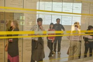 """""""35x35"""" la muestra que refleja las deudas y omisiones de la democracia en la Argentina"""