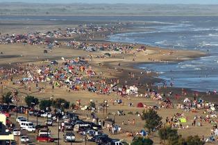 Viedma y el balneario El Cóndor inician el sábado la temporada de verano
