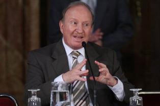 """Para Sabsay, el fallo absolutorio de Menem es """"indignante"""""""