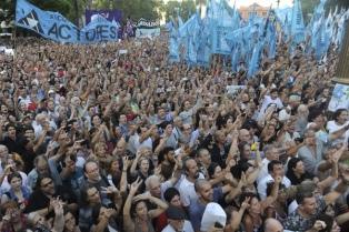 Manifestantes expresaron su apoyo a Víctor Hugo Morales con un acto en Plaza de Mayo