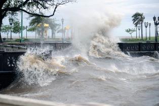 Esperan la crecida del Río de la Plata con fuertes vientos y precipitaciones