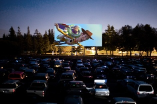 Cuatro localidades evalúan abrir autocines para exhibir películas durante la pademia