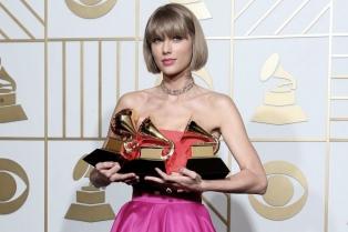 Taylor Swift ganó el Grammy al mejor disco del año