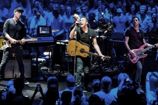 Coldplay anunció que cerrará su tour en Argentina