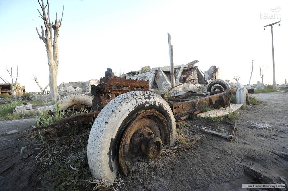 El 10 de noviembre de 1985 Epecuén quedo bajo la laguna que arrasó con el pueblo