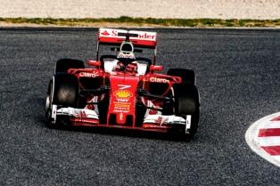 Kimi Raikkonen marcó el ritmo en los ensayos de pretemporada en España