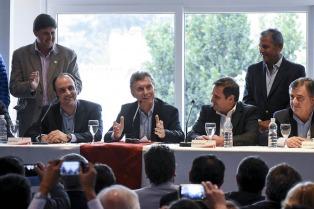 Macri encabezó un acto en Fiat y participó de la cumbre de intendentes radicales