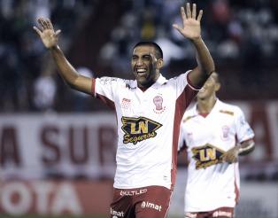 Huracán goleó al Sporting Cristal y se ilusiona con un lugar en los octavos de final