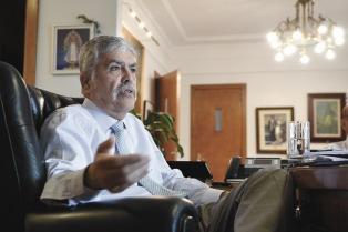 El oficialismo buscará emitir dictamen del proyecto que permita allanar el domicilio de De Vido