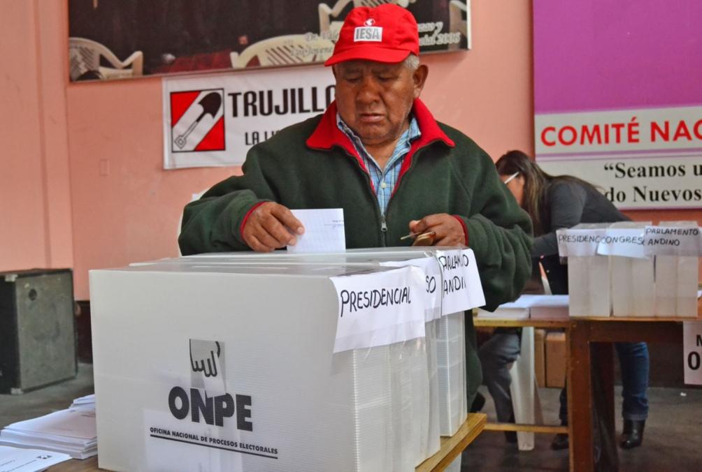 Perú ratifica los comicios para el 11 de abril pese al rebrote de coronavirus