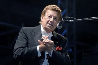 A los 98 años falleció el pianista Mariano Mores, una leyenda del tango