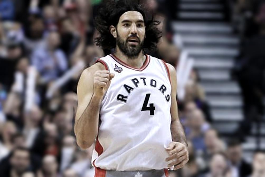 Con la camiseta de Toronto Raptors, su penúltimo equipo en la NBA.