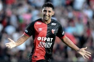 Alan Ruiz evalúa su salida de Colón tras la agresión de barras del club