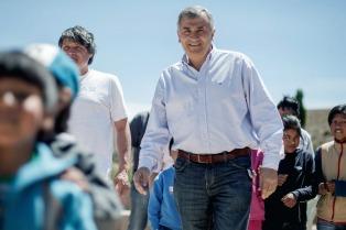 Morales entregó viviendas a damnificados del trágico alud de Volcán en 2017