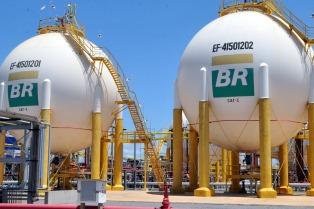 Petrobras cedió campos petroleros y activos por 2.200 millones de dólares a la francesa Total