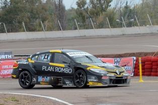 Leonel Pernía larga en la Pole Position en la final de General Roca