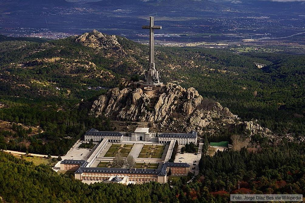 La iniciativa impulsa transformar el Valle de los Caídos en un cementerio civil