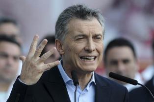 """Macri dijo que vetó lo que denominó """"ley anti empleo"""""""