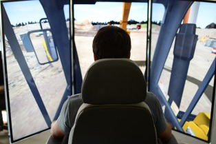 Investigadores de Tandil desarrollaron el primer simulador de maquinaria pesada del país