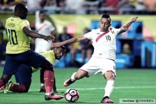 Perú tuvo todo para ganar, se durmió y Ecuador lo empató