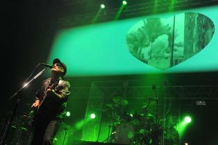 Las Pelotas mostró su madurez sonora y su espíritu festivo en el Luna Park