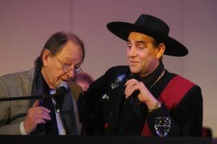 """El Chaqueño Palavecino fue nombrado """"padrino"""" de la Radio Nacional Folklórica"""