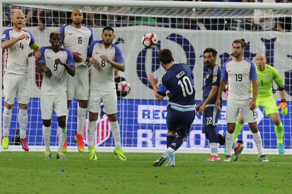 Argentina venció a Estados Unidos con gran actuación de Messi (foto archivo)