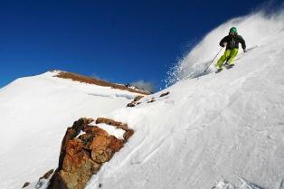 Finalmente, el centro de esquí La Hoya no abrirá esta temporada