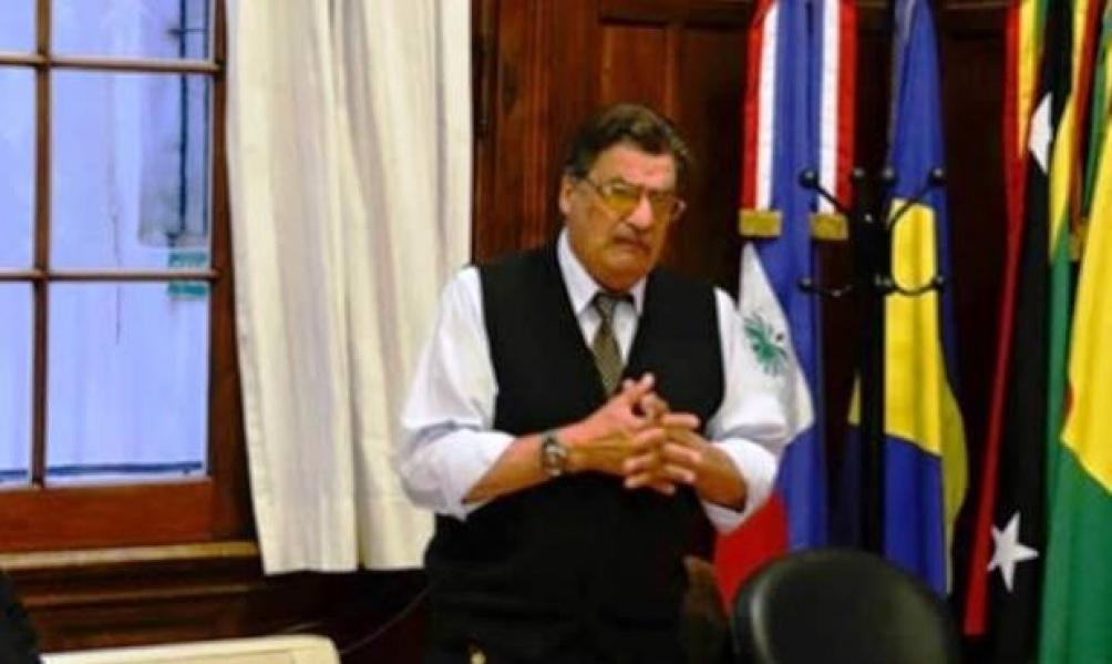 """El médico sanitarista y asesor del gobierno bonaerense, Jorge Rachid, advirtió hoy que la cepa de Manaos es una variante que """"ataca, con mayor virulencia, a una franja etaria mucho más numerosa""""."""