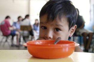 UCA: casi el 15% de los chicos y adolescentes no realiza al menos una de las cuatro comidas diarias