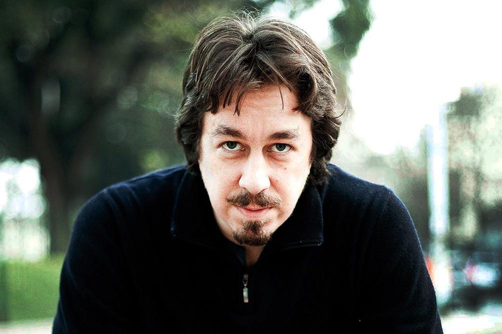 """El autor de novelas como """"Una noche con Sabrina Love"""", """"El año del desierto"""", """"Salvatierra"""" y """"La uruguaya""""."""