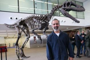 Presentaron a Gualicho, el dinosaurio de la Patagonia con manos extraordinarias