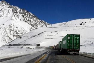 Cerraron el paso internacional Cristo Redentor por nevadas en alta montaña
