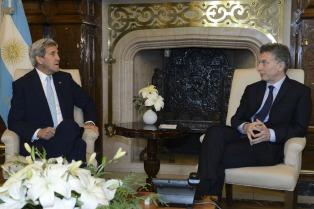 Macri recibió a John Kerry en Casa Rosada, en una entrevista de una hora